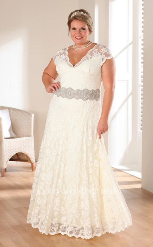 Plus size wedding dress in lace floor length