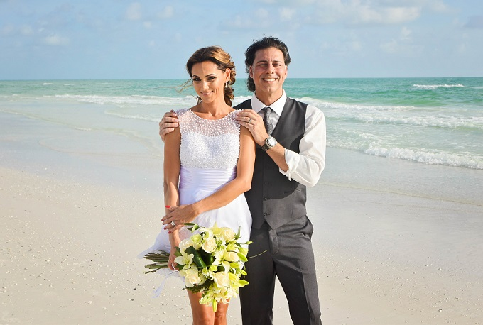 Short, cute wedding dress in Siesta Key