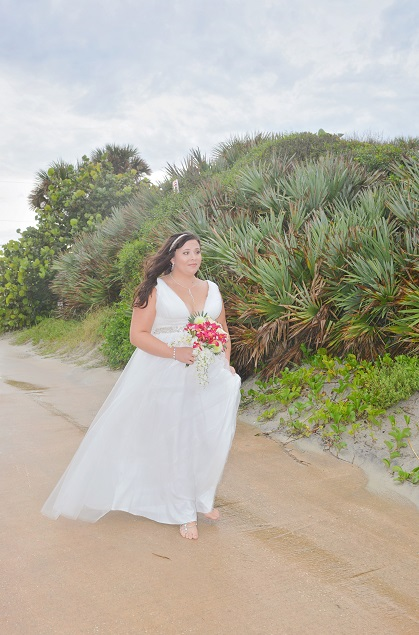 Plus size A line wedding gown on Daytona Beach Bride