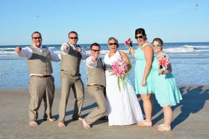 Daytona Beach Weddings allow the bride and groom and bridal party to celebrate in paradise.