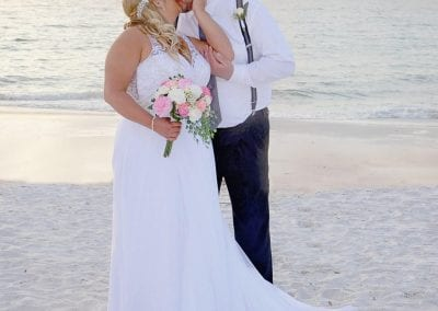 Clearwater Beach Weddings are the perfect spot to plan your Florida beach wedding ceremony.