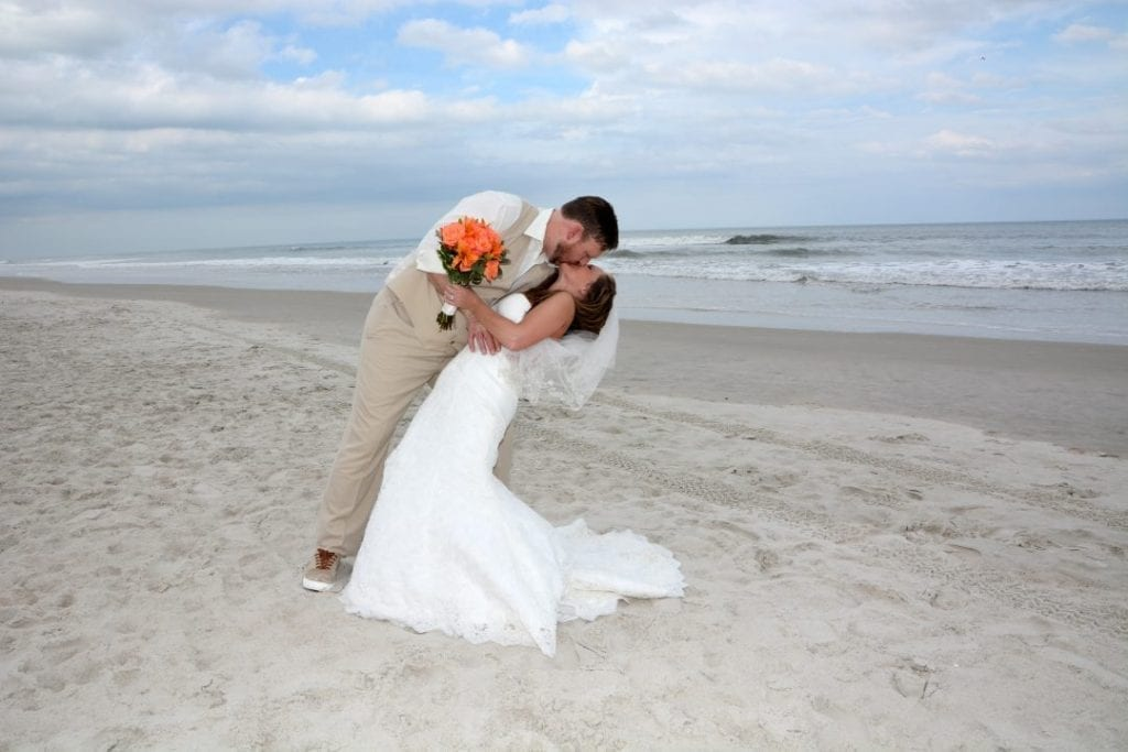 Ormond Beach Weddings with an affordable beach wedding company.