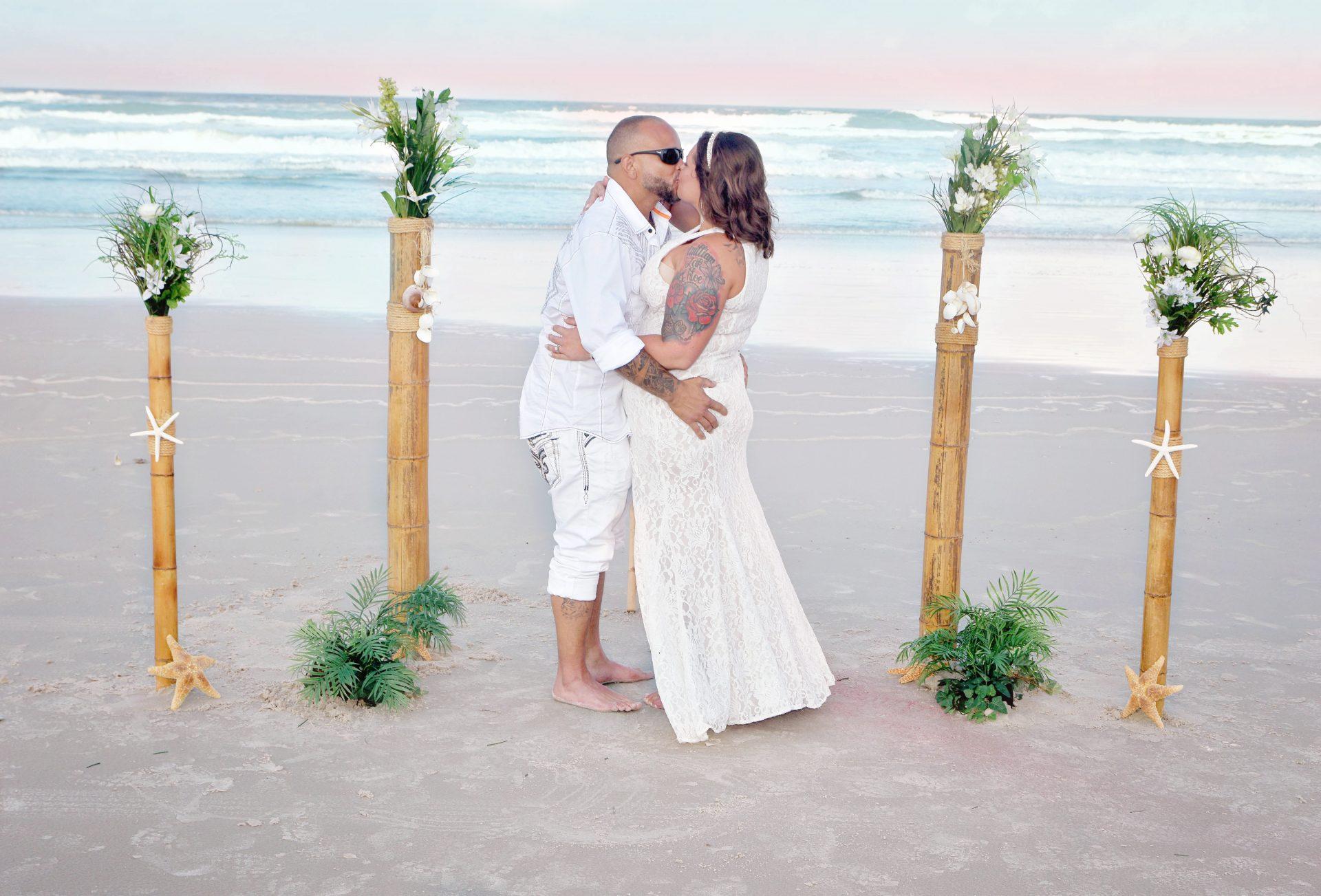 Small Florida beach wedding ceremonies
