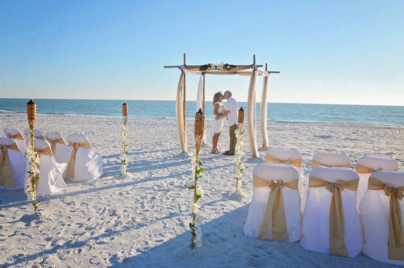 Couple married on Lido Beach Florida