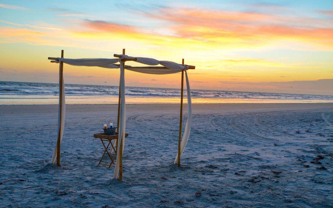 You Can Still Plan: Beach Wedding Decorations