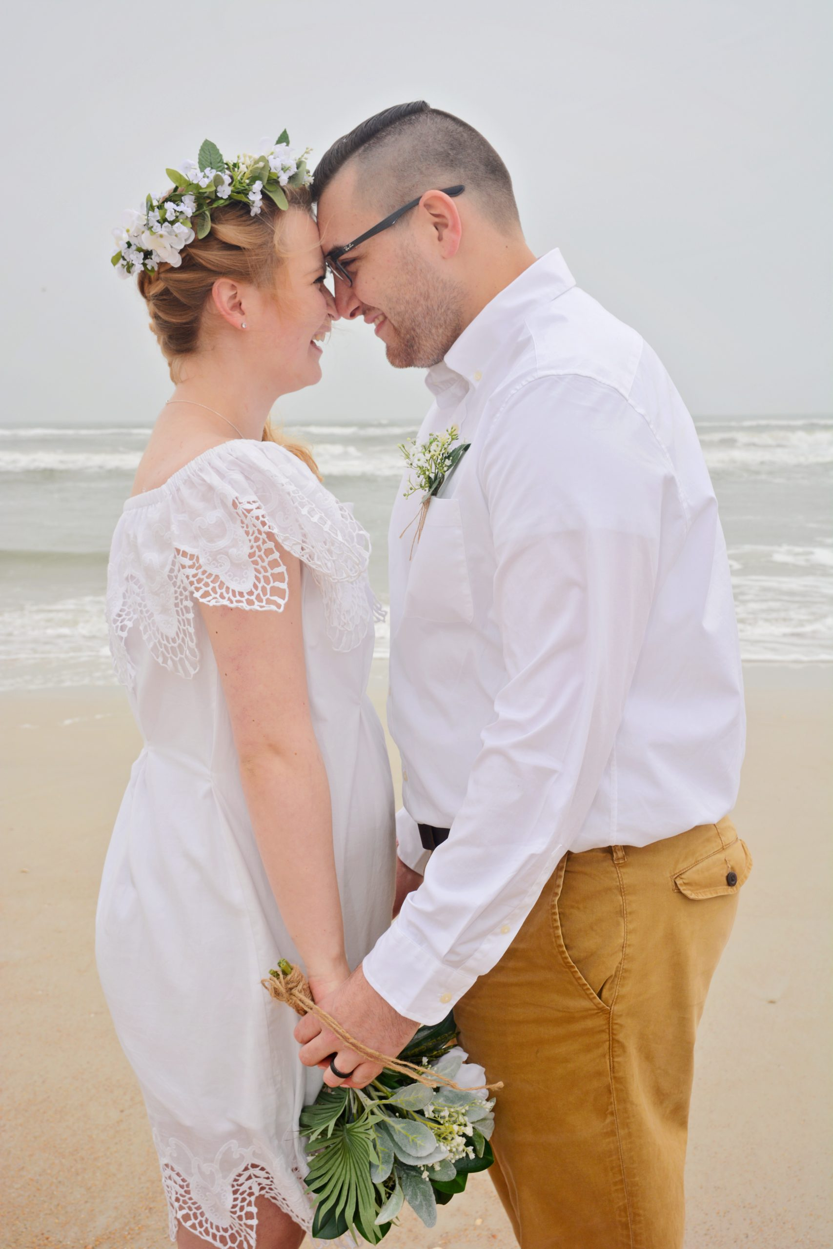 Wedding couple married at Anastasia State Park, Florida