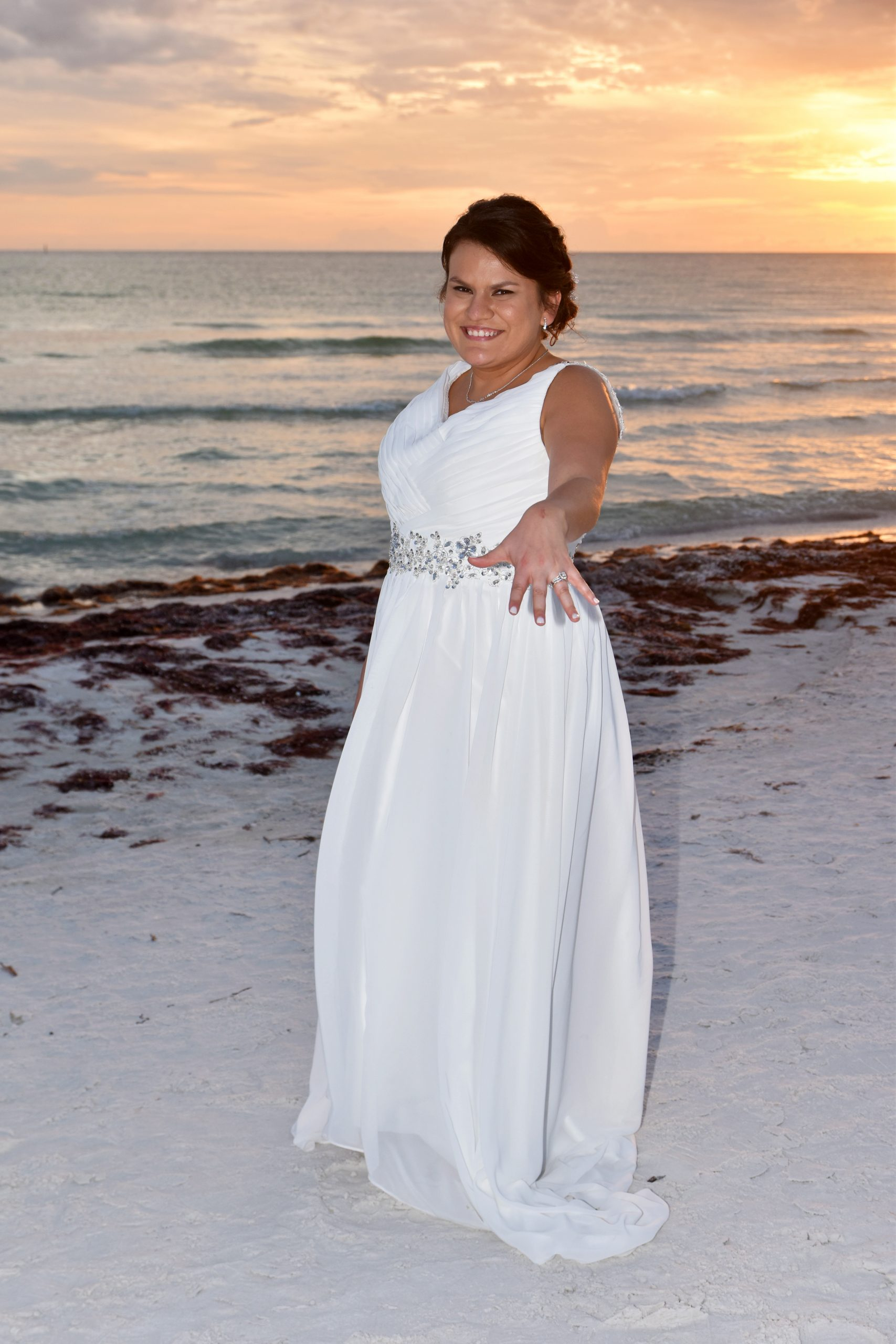 Best Beach Wedding Jewelry Ideas Real Brides Pose Florida Beach Weddings