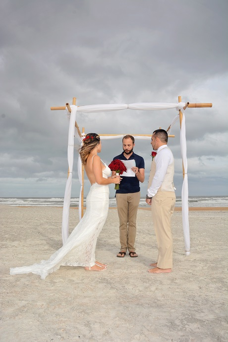 St. Augustine Beach couple married under stormy skies