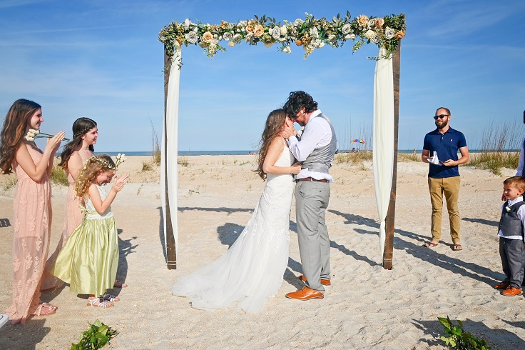 First wedding kiss on Anastasia Island wedding