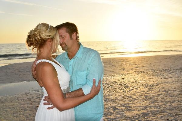 Elopement in Siesta Key Couple